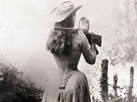 Annie-Oakley-over-shoulder_F