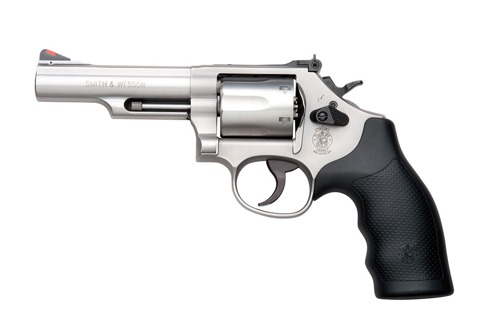 //www.shootingtimes.com/files/new-revolvers-for-2014/smith-wesson-model-66-combat.jpg