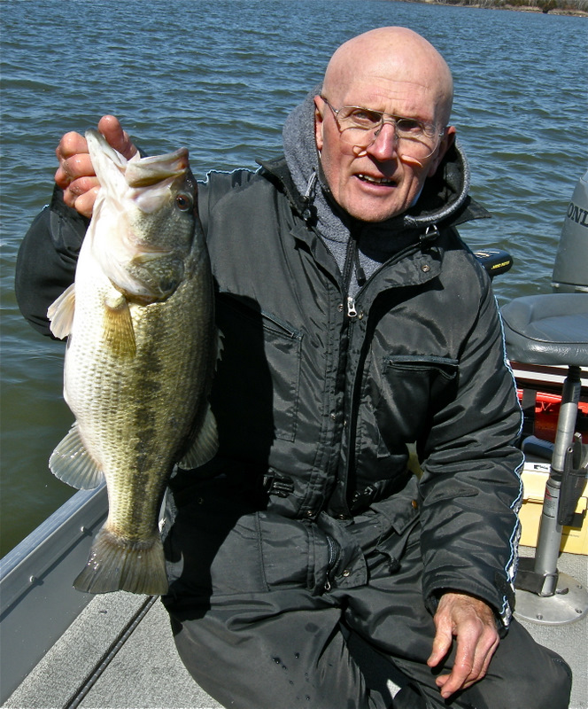 This was the biggest largemouth bass of the 2011. It was caught at power-plant lake in eastern