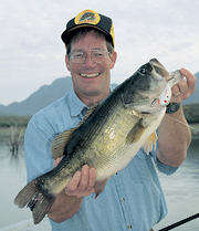 //www.in-fisherman.com/files/2012/07/if0802_GiantBass2.jpg