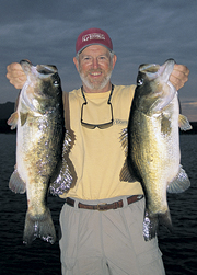 //www.in-fisherman.com/files/2012/07/if0802_GiantBass3.jpg