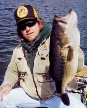 //www.in-fisherman.com/files/2012/07/if0802_GiantBass5.jpg