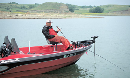 Bottom bouncers for walleyes in fisherman for Bottom bouncer fishing