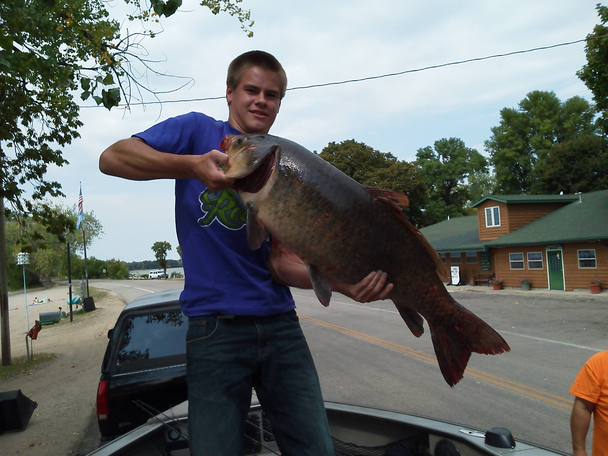 Scott Erickson ortonville Minnesota  trolling for walleyes and using 8 lb. test caught this 30