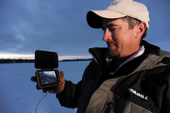 A new generation of underwater cameras in fisherman for Underwater ice fishing camera