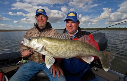 Walleyes-on-the-Edge-Feature-In-Fisherman