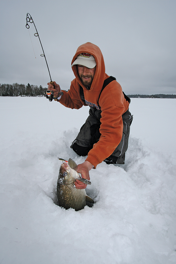 how to gaff a fish ice fishing
