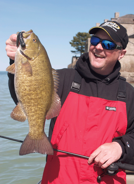 Great lakes smallmouth bass from shore in fisherman for Best bass fishing times