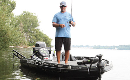 Pro angler Dave Lefebre offers some great tips for fishing suspending jerkbaits for bass.