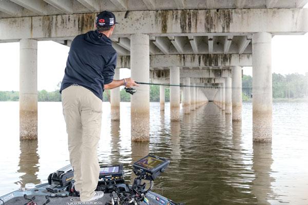 Bridge-Fishing-for-Big-Bass