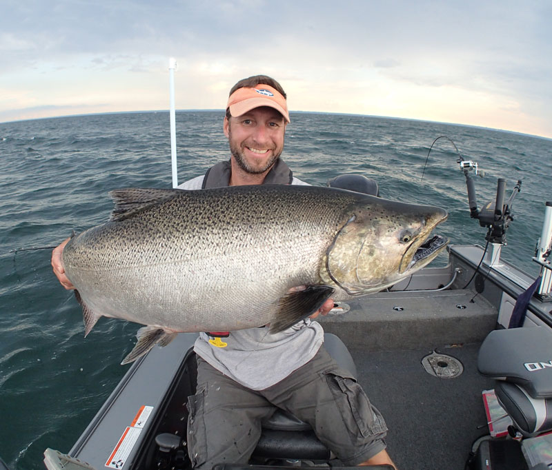 //www.in-fisherman.com/files/2018/03/King-Salmon-Lake-Ontario.jpg
