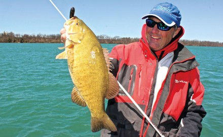 Great tips for catching smallies on big water.