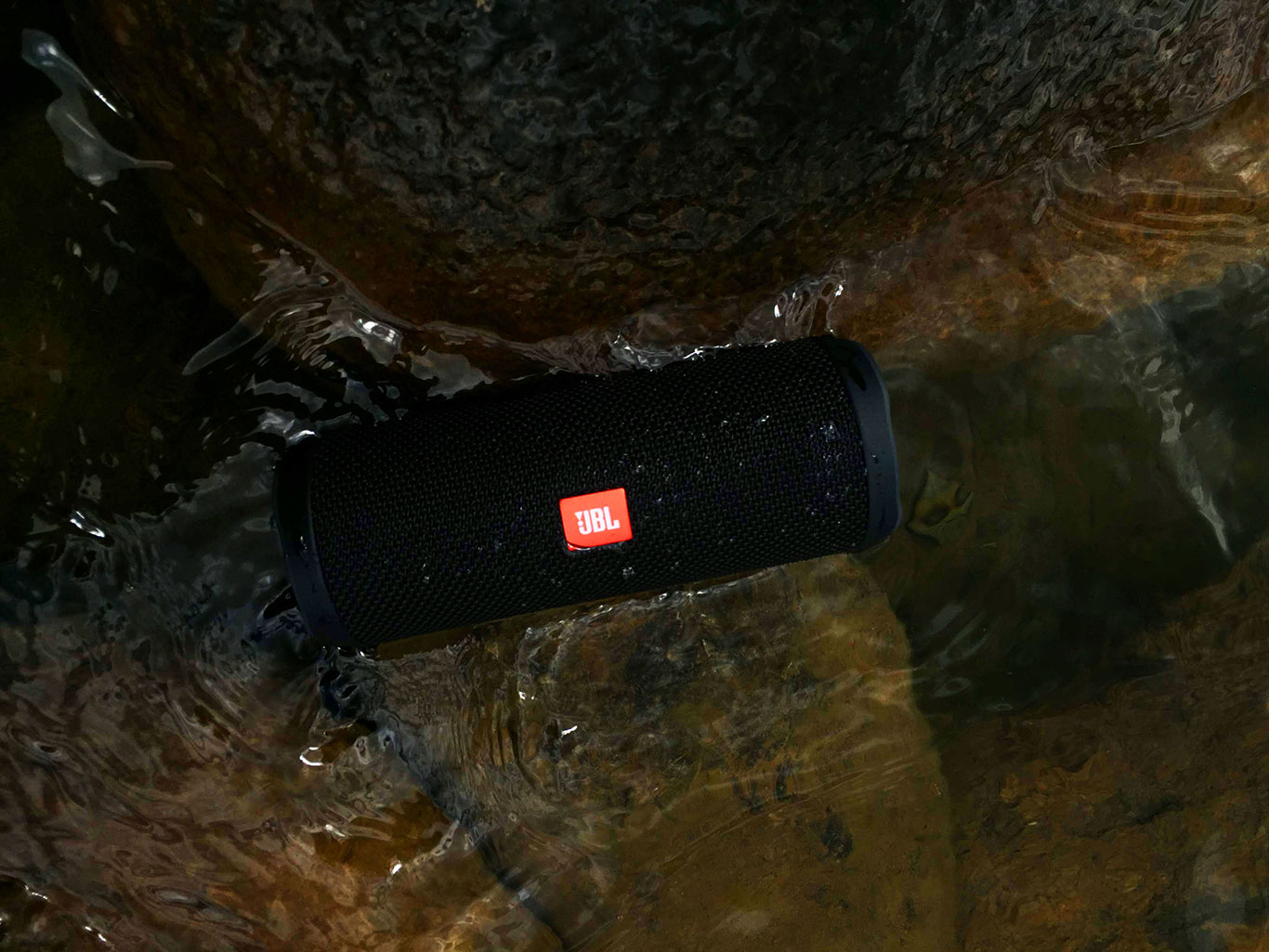 Fishing and Music? A Review of the Waterproof JBL Flip 4 Speaker and Fishing