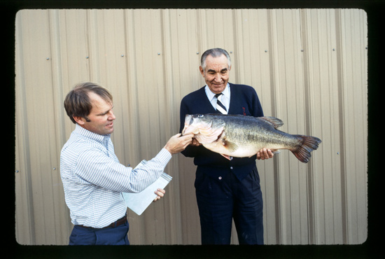 //www.in-fisherman.com/files/largemouth-bass-records/basslmburginstaterecord1987.jpg