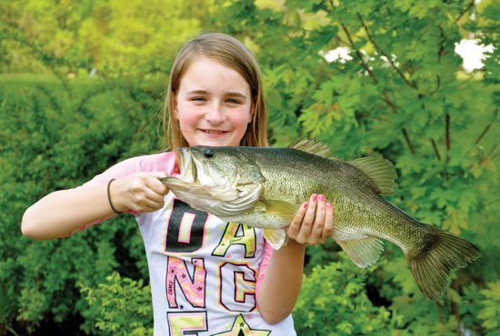 //www.in-fisherman.com/files/master-angler-2013/largemouth-bass-catherine-hagerty-23-inches-in-fisherman.jpg