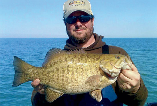//www.in-fisherman.com/files/master-angler-2013/smallmouth-bass-aaron-nichols-lake-erie-oh-23-inches-in-fisherman.jpg