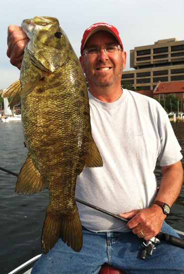 //www.in-fisherman.com/files/master-angler-2013/smallmouth-bass-todd-wendorf-21-inches-in-fisherman.jpg