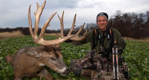 midwest whitetail - bill winke 2012-02 buck