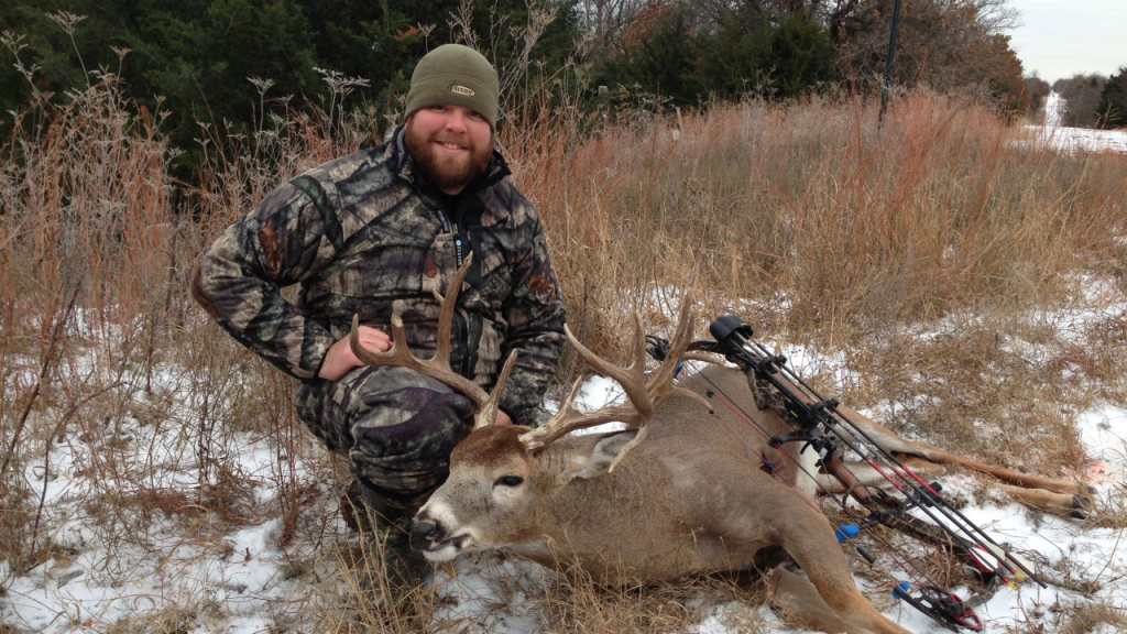 Late Season Deer Hunting Tyler Gottula 2013 whitetail 154-inch