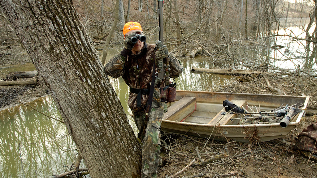 Late Season Whitetail Hunting Travel Lanes