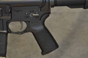 LWRC M6-SL pistol grip