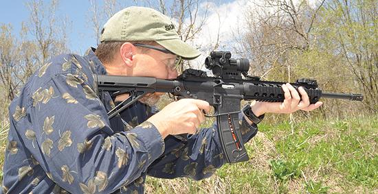 Tactical Rimfire Comparisons: Ruger SR-22, S&W M&P15-22 MOE, Mossberg  Tactical .22
