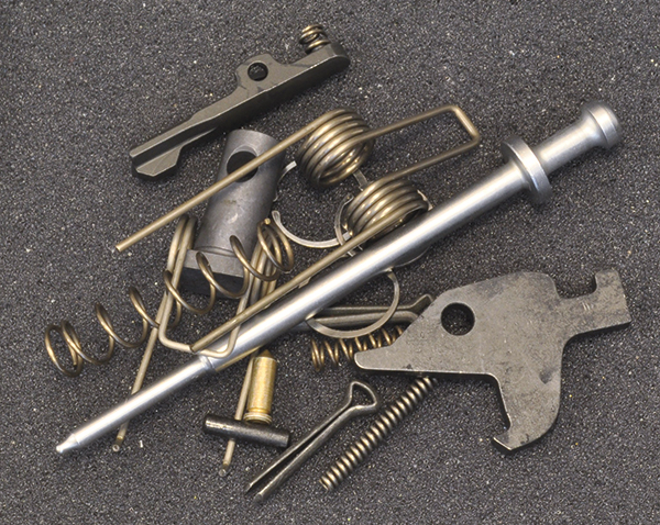 //www.rifleshootermag.com/files/stag-arms-2012-executive-survivors-kit-review/stag-arms-executive-survivors-kit_003.jpg