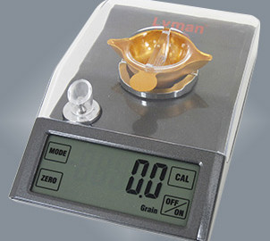 The Pro-Touch 1500 scale from Lyman features a large, touch screen display with easy-to-read