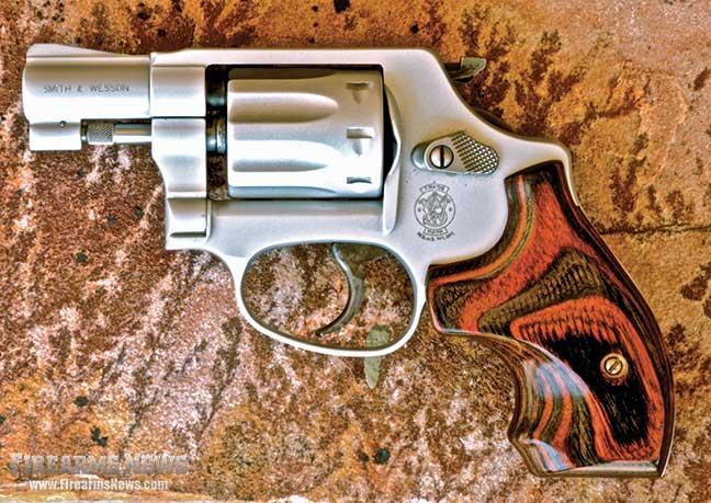 of-classic-snubnose-revolvers-era-12