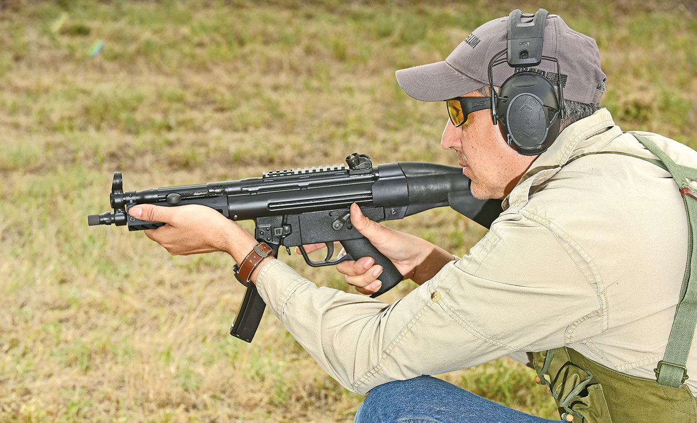 Thanks to its very short length and light weight, the 9CT excels at rapidly engaging targets from a variety of positions and while shooting on the move.