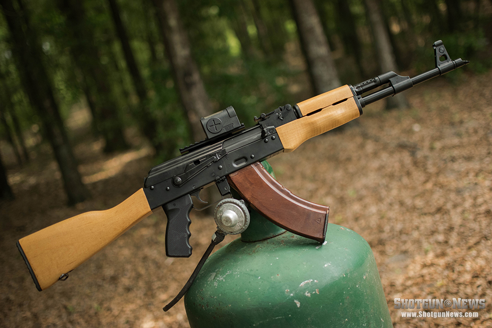 //www.firearmsnews.com/files/american-ak-showdown-century-arms-ras47-vs-ddi-ak-47f/ca_ras47_4.jpg