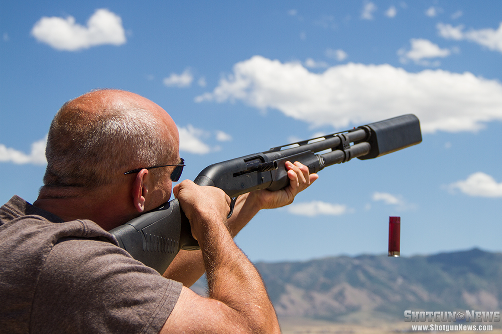 //www.firearmsnews.com/files/first-look-silencerco-salvo-12-shotgun-suppressor/silencerco_salvo-12_shotgun_suppressor_03.jpg