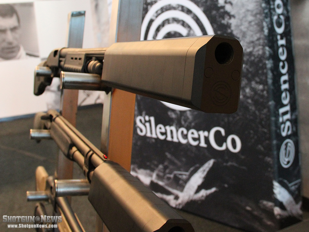 //www.firearmsnews.com/files/first-look-silencerco-salvo-12-shotgun-suppressor/silencerco_salvo-12_shotgun_suppressor_5.jpg