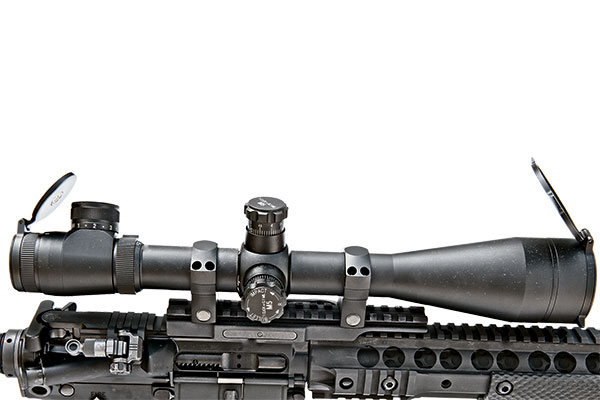 //www.firearmsnews.com/files/kac-sr-15e3-iws-sbr-carbine-review/kac_sr-15e3_iws_sbr_carbine_7.jpg