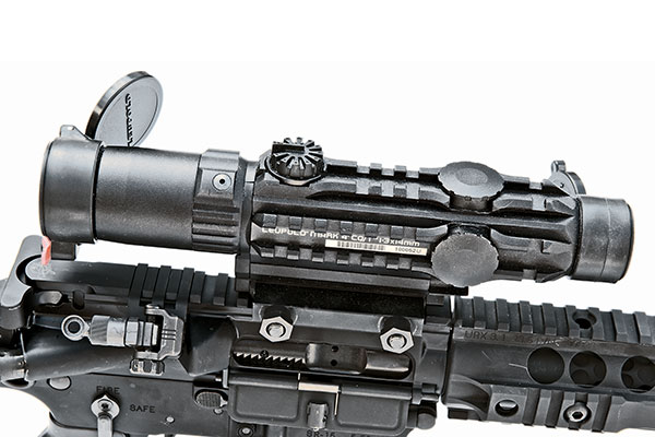 //www.firearmsnews.com/files/kac-sr-15e3-iws-sbr-carbine-review/kac_sr-15e3_iws_sbr_carbine_8.jpg