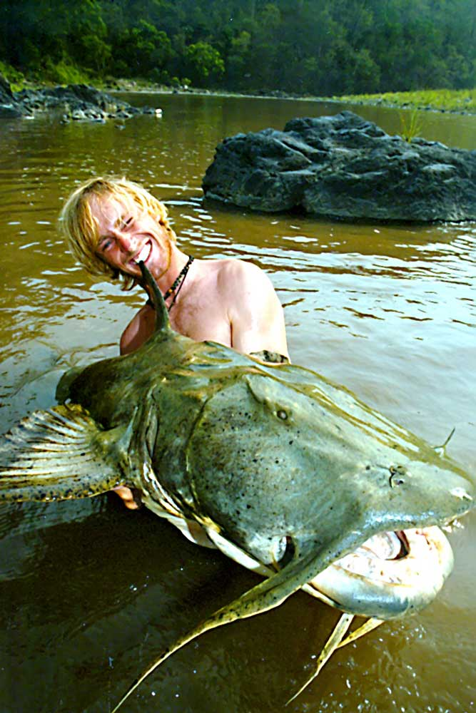 //www.gameandfishmag.com/files/10-biggest-catfish-world-records-of-all-time/goonch_world-record.jpg