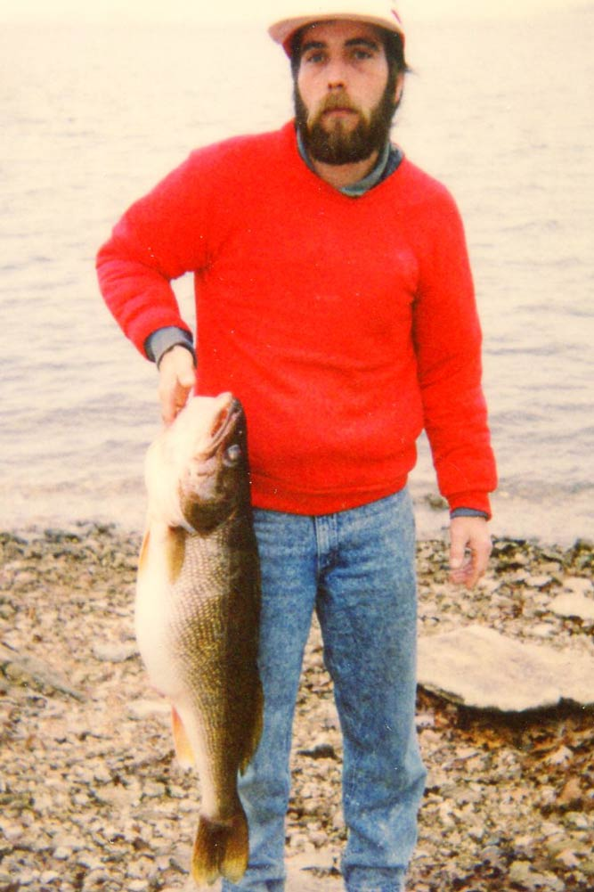 //www.gameandfishmag.com/files/10-biggest-walleye-world-records-ever-landed/15306.jpg