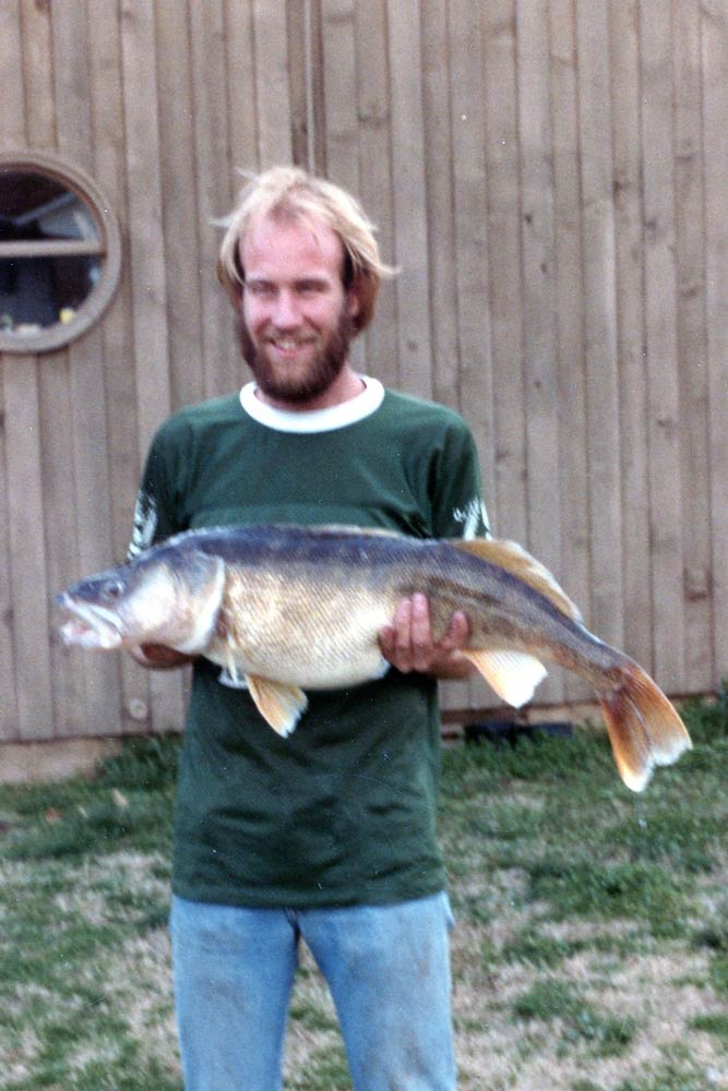 //www.gameandfishmag.com/files/10-biggest-walleye-world-records-ever-landed/18172.jpg