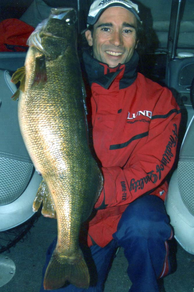 //www.gameandfishmag.com/files/10-biggest-walleye-world-records-ever-landed/26651.jpg