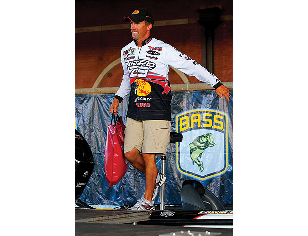 //www.gameandfishmag.com/files/10-most-underutilized-bass-baits-according-to-the-pros/02_edwinevers_041012.jpg
