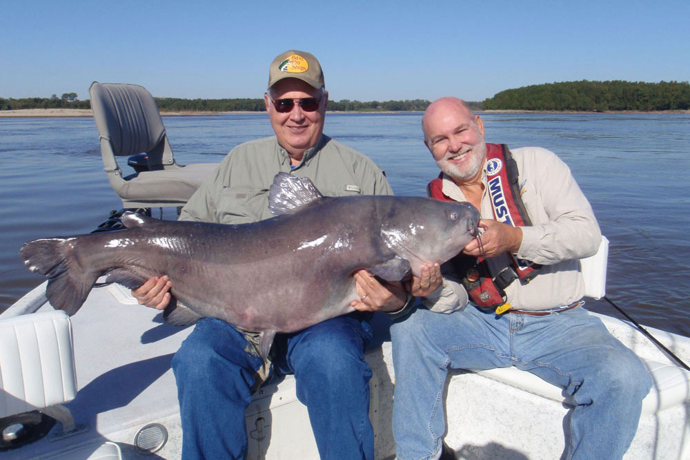 //www.gameandfishmag.com/files/12-best-states-for-catching-monster-catfish/tennessee_1.jpg