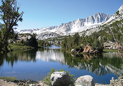"Well-known mountain trout lakes, and a few out-of-the-way ""secret"" spots, await anglers who visit this High Sierra fisherman's Disneyland."