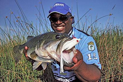 When Ish Monroe needs to seal a win, he'll fish relatively shallow water with his Phat Frog. Photo by Snag Proof.