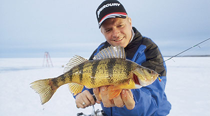 Hardwater angling in indiana 39 s 39 ice zone 39 for Ice fishing indiana