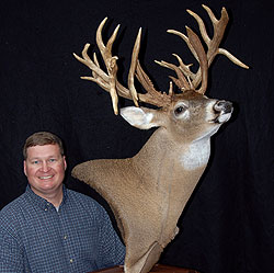 Sportsman Robert Taylor downed a huge 29-point buck while hunting in Butler County last season, coming away with his buck of a lifetime and the biggest deer from last year! Here's his story. (September 2009)