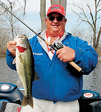 Slight increases in air and water temperature this month mean that lunker largemouths are on the prowl in the Sportsman's Paradise. (January 2006)