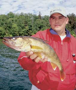 With summer winding down, do you still have the urge to get away from it all just one more time this year? It's not too late to hook up with the BWCAW's walleyes, pike and bass! (August 2007)