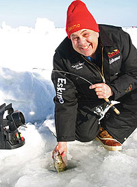 Want one more shot at Ol' Google-Eyes? Here are eight icy places at which to end the walleye season. (February 2009)