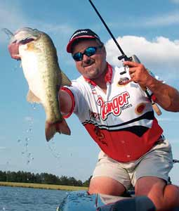 Ross Barnett Reservoir is Mississippi's favorite bass-fishing hole -- and May's a great month to be on the water. Here's what the spring action is like. (May 2008)
