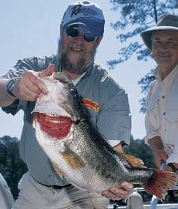 When August turns downright hot, finding bass can be a problem. But here are some places you might try for largemouth action in the northern part of the state this summer. (August 2007)